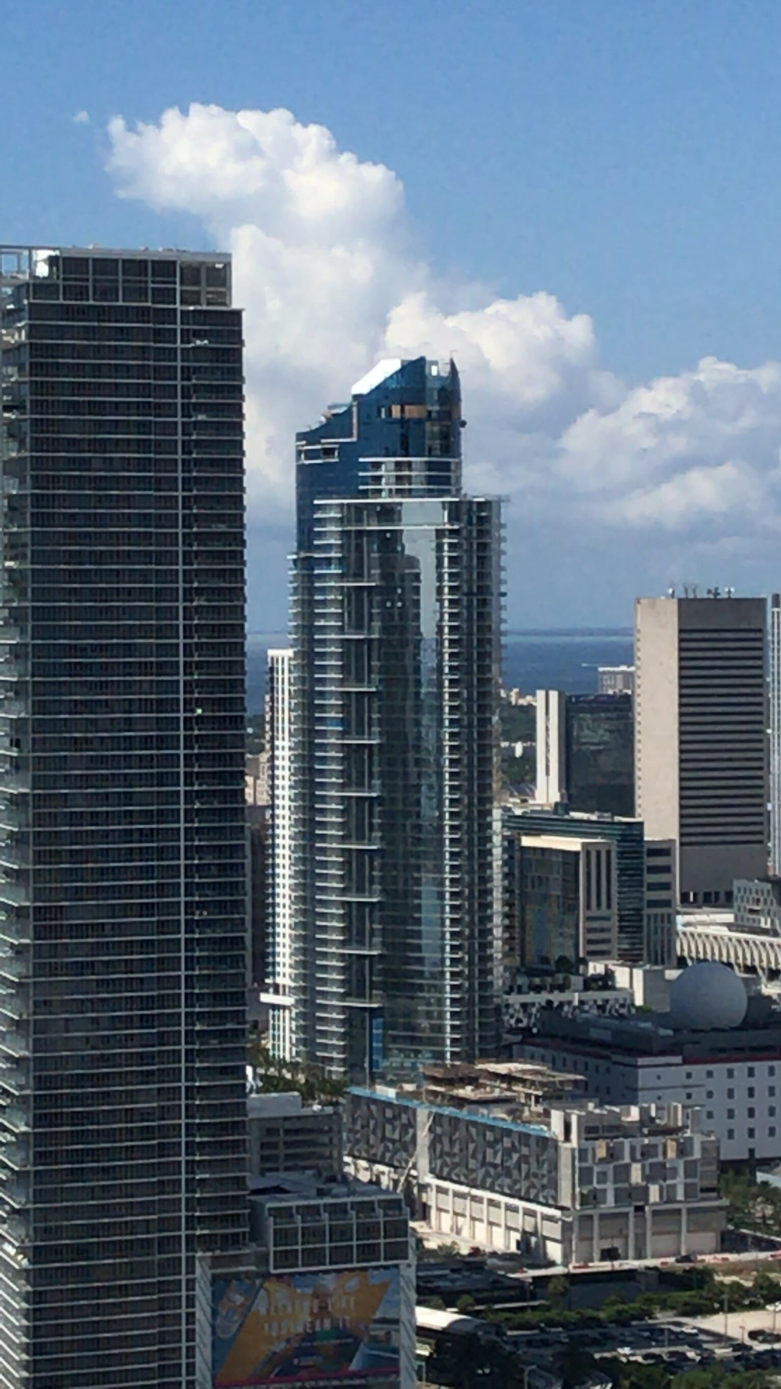 Over 100 units closed already at Paramount Miami Worldcenter only few weeks after opening